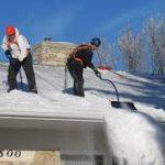 Quand dois-je enlever la neige d'un toit?